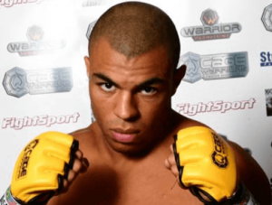 combattant Karl Amoussou